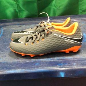 Nike jr HYPERVENOM PHANTOM 3 ACADEMY FG sz 6Y